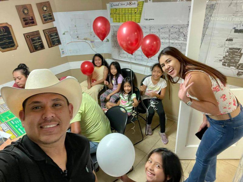 ☀️ Nunca es tarde para cambiar tu futuro 👏🏻👏🏻 Estamos cada día aquí para servirles! 🤩 Los niños son el futuro!! Gracias por visitarnos!!